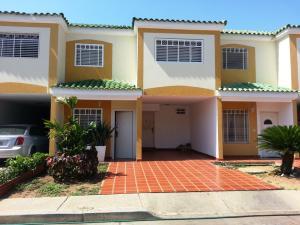 Townhouse En Ventaen Cabimas, Las 40, Venezuela, VE RAH: 18-15209