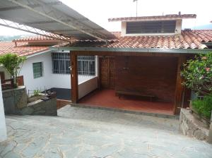 Casa En Ventaen Caracas, Municipio Baruta, Venezuela, VE RAH: 18-15212