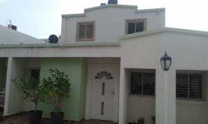 Townhouse En Ventaen Maracaibo, Lago Mar Beach, Venezuela, VE RAH: 18-15261