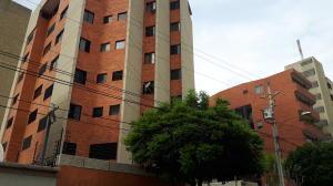 Apartamento En Alquileren Maracaibo, La Lago, Venezuela, VE RAH: 18-15376