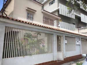 Casa En Ventaen Caracas, Los Chaguaramos, Venezuela, VE RAH: 18-15425