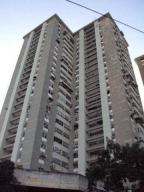 Apartamento En Ventaen Maracay, Zona Centro, Venezuela, VE RAH: 18-15467