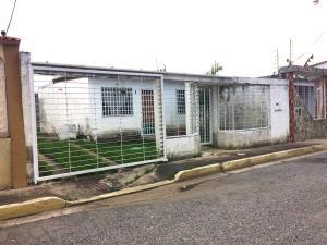 Casa En Ventaen Turmero, Villas Del Carmen, Venezuela, VE RAH: 18-15507