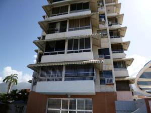 Apartamento En Ventaen Parroquia Caraballeda, Palmar Este, Venezuela, VE RAH: 18-15527