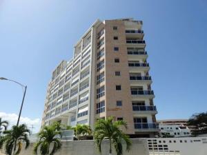 Apartamento En Ventaen Higuerote, Puerto Encantado, Venezuela, VE RAH: 18-15587