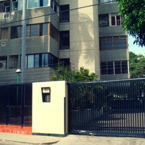 Apartamento En Alquileren Maracaibo, El Milagro, Venezuela, VE RAH: 18-15575
