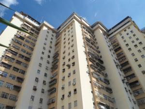 Apartamento En Ventaen Maracay, Urbanizacion El Centro, Venezuela, VE RAH: 18-15596