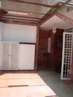 Apartamento En Ventaen San Antonio De Los Altos, La Peña, Venezuela, VE RAH: 18-16323