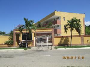 Apartamento En Ventaen Higuerote, Puerto Encantado, Venezuela, VE RAH: 18-15599