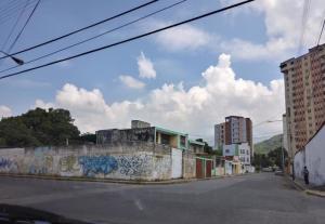 Terreno En Ventaen Maracay, El Centro, Venezuela, VE RAH: 18-15619