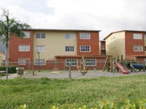 Apartamento En Ventaen Guatire, Valle Grande, Venezuela, VE RAH: 18-15724