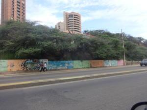 Terreno En Ventaen Maracaibo, Avenida El Milagro, Venezuela, VE RAH: 18-15690