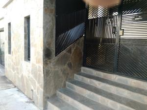 Apartamento En Ventaen Valencia, Valles De Camoruco, Venezuela, VE RAH: 18-15710