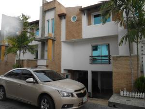 Townhouse En Ventaen Maracay, Barrio Sucre, Venezuela, VE RAH: 18-15757