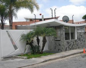 Townhouse En Ventaen Caracas, Alto Hatillo, Venezuela, VE RAH: 18-16048