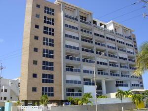 Apartamento En Ventaen Higuerote, Puerto Encantado, Venezuela, VE RAH: 18-15801