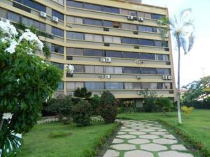 Apartamento En Ventaen Higuerote, Agua Sal, Venezuela, VE RAH: 18-15826
