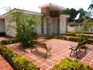 Casa En Alquileren Ciudad Ojeda, Calle Merida, Venezuela, VE RAH: 18-15843