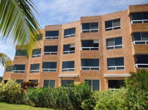 Apartamento En Ventaen Higuerote, Carenero, Venezuela, VE RAH: 18-16315