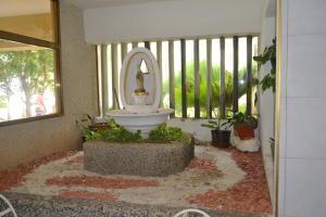 Apartamento En Ventaen Maracaibo, Avenida Milagro Norte, Venezuela, VE RAH: 18-15993
