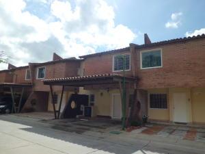 Townhouse En Ventaen Municipio San Diego, Villa Jardin, Venezuela, VE RAH: 18-16020
