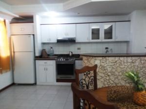 Apartamento En Ventaen Maracaibo, Valle Frio, Venezuela, VE RAH: 18-16079