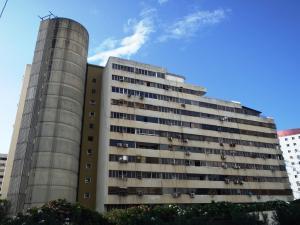 Apartamento En Ventaen Parroquia Caraballeda, Caribe, Venezuela, VE RAH: 18-16146