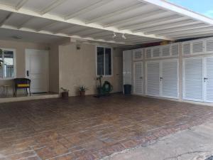 Casa En Ventaen Punto Fijo, Los Caciques, Venezuela, VE RAH: 18-16165