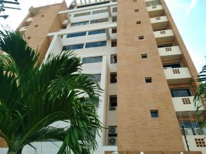Apartamento En Ventaen Valencia, La Trigaleña, Venezuela, VE RAH: 18-16191