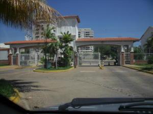 Apartamento En Alquileren Maracaibo, Avenida El Milagro, Venezuela, VE RAH: 18-16232