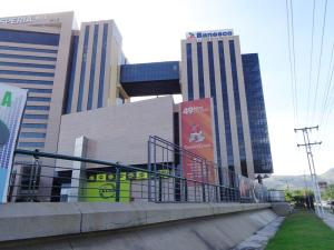 Oficina En Alquileren Municipio Naguanagua, La Granja, Venezuela, VE RAH: 18-16307