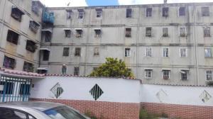 Apartamento En Ventaen Caracas, Caricuao, Venezuela, VE RAH: 18-16353