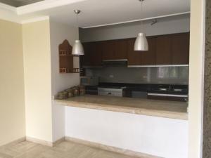 Apartamento En Ventaen Maracaibo, Avenida Universidad, Venezuela, VE RAH: 18-16354