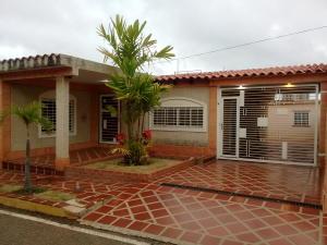 Casa En Ventaen Maracaibo, Santa Fe, Venezuela, VE RAH: 18-16377
