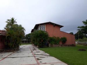 Casa En Ventaen Valencia, Safari Country Club, Venezuela, VE RAH: 18-16634