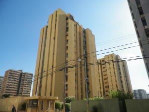 Apartamento En Alquileren Puerto La Cruz, Sector El Frio, Venezuela, VE RAH: 18-16396
