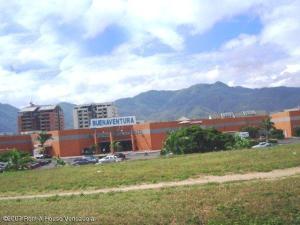 Local Comercial En Ventaen Guatire, Sector San Pedro, Venezuela, VE RAH: 18-16410