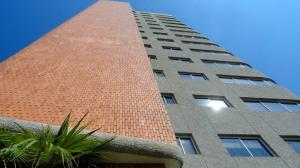 Apartamento En Ventaen Maracaibo, Valle Frio, Venezuela, VE RAH: 18-6773