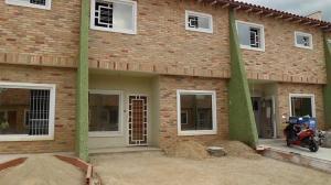 Casa En Ventaen Maracay, La Morita, Venezuela, VE RAH: 18-16475