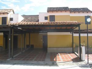 Townhouse En Ventaen Municipio Naguanagua, Tazajal, Venezuela, VE RAH: 18-16554