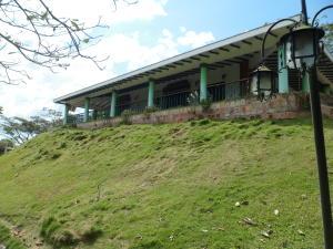 Casa En Ventaen Municipio Montalban, Aguirre, Venezuela, VE RAH: 18-15035