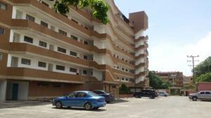 Apartamento En Ventaen Higuerote, Agua Sal, Venezuela, VE RAH: 18-16612