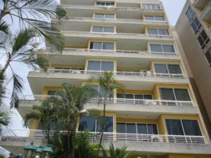 Apartamento En Ventaen Higuerote, Puerto Encantado, Venezuela, VE RAH: 18-16625