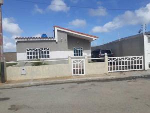 Casa En Ventaen Margarita, Avenida Juan Bautista Arismendi, Venezuela, VE RAH: 18-16700
