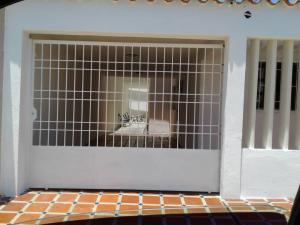 Casa En Ventaen Punto Fijo, Santa Irene, Venezuela, VE RAH: 18-16729