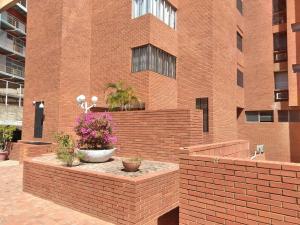 Apartamento En Ventaen Maracaibo, Valle Frio, Venezuela, VE RAH: 18-16775