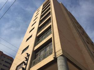 Apartamento En Ventaen Maracaibo, Valle Frio, Venezuela, VE RAH: 18-16760
