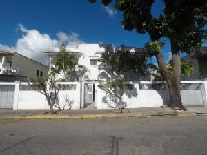 Galpon - Deposito En Alquileren Caracas, Santa Monica, Venezuela, VE RAH: 18-16796