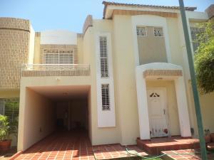 Townhouse En Alquileren Maracaibo, Fuerzas Armadas, Venezuela, VE RAH: 18-16839
