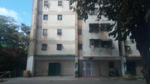 Apartamento En Ventaen Caracas, Caricuao, Venezuela, VE RAH: 18-16968